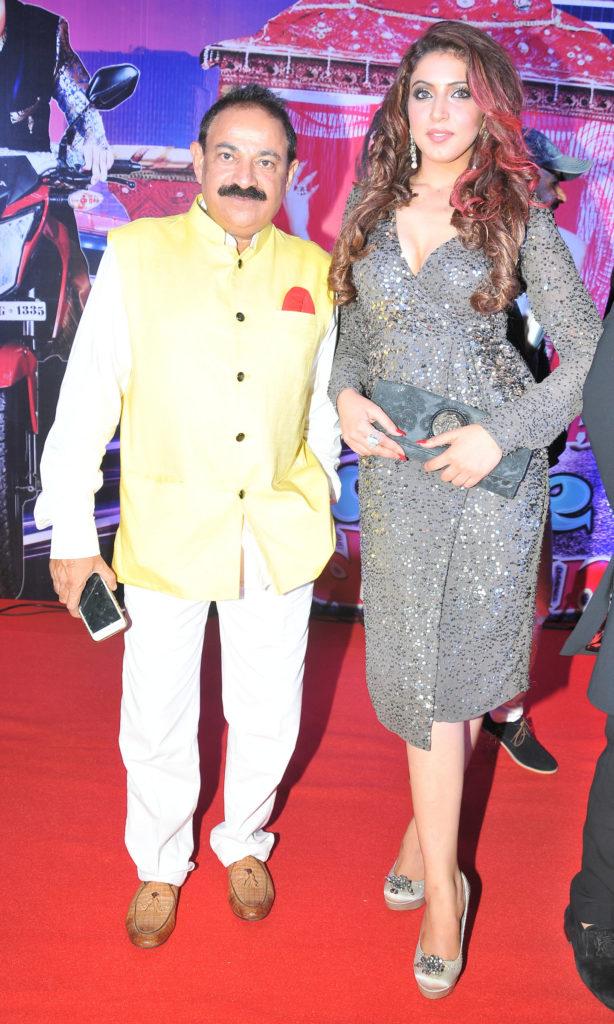 4.  Ikram Akhtar (Writer), Ishika Taneja (Actress in Lead Role),  DSC_1064