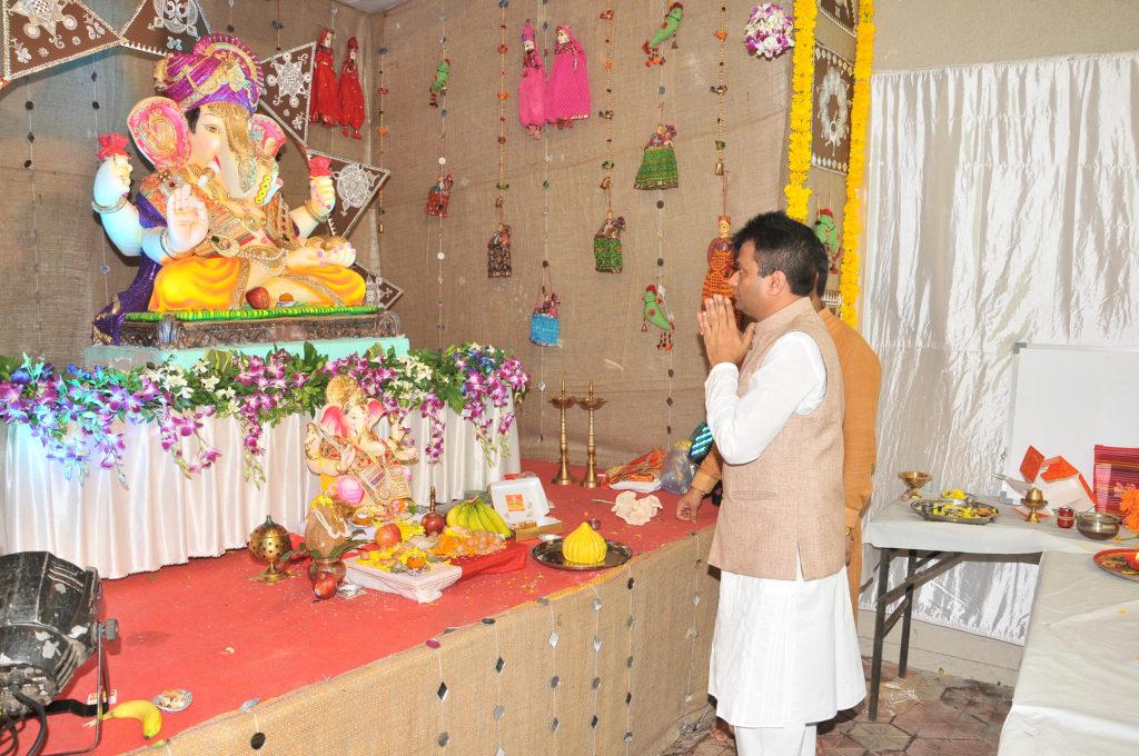 1. Dr. Aneel Murarka celebrating Ganesh Chaturthi (1)