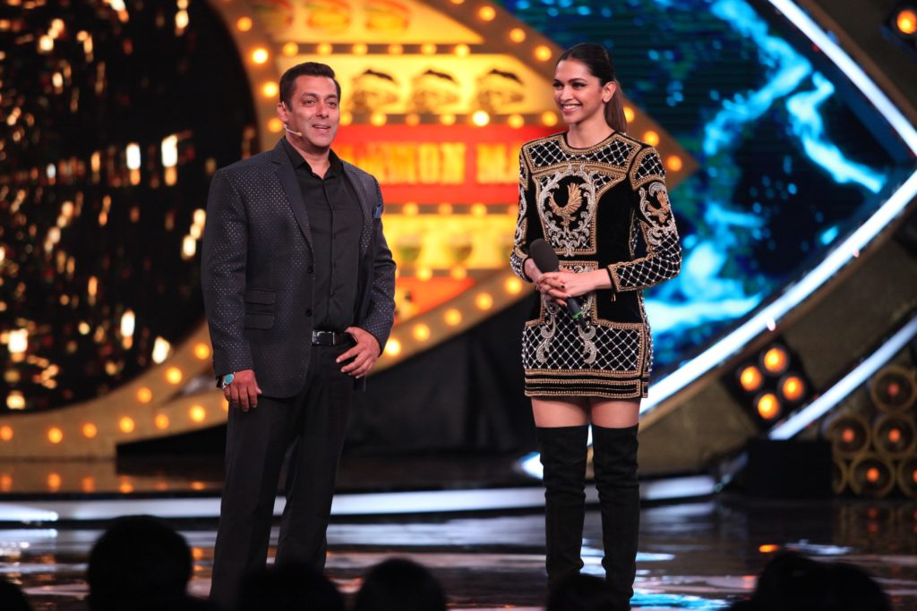 deepika-padukone-on-the-premiere-episode-of-bigg-boss-10-4