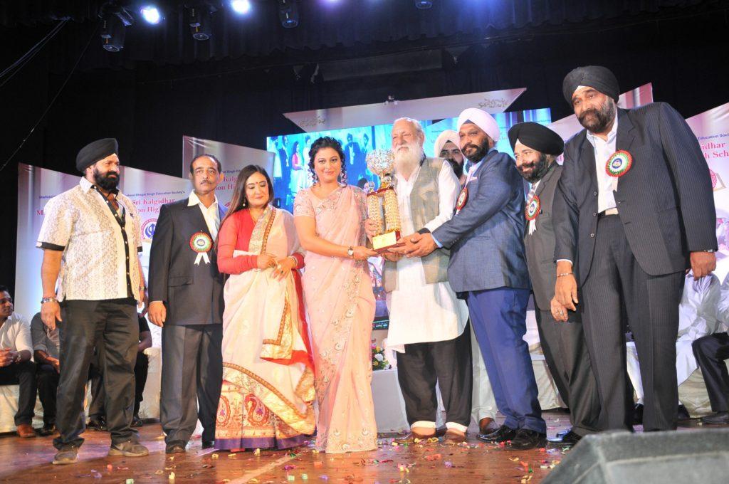 gurpreet-kaur-chadha-being-felicitated-dsc_9159